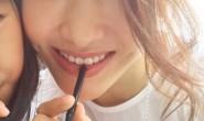 【美天棋牌】47岁黎姿与女儿脸贴脸自拍 容颜不老令人感慨