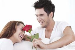 【美天棋牌】夫妻关系是以爱情为基础的,那么在女性方面应该怎么维持婚姻关系
