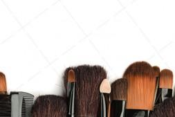 【美天棋牌】化妆教程 2020 唇线笔怎么用?用好唇线笔唇妆脱色掉色不用愁