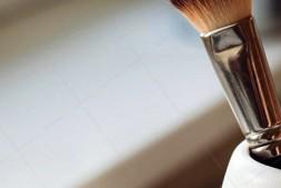 【美天棋牌】化妆教程 2020 唇线笔过时了?那是你还不了解唇线笔的作用