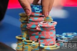 【美天棋牌】德州扑克中要掌握河牌圈超额下注这个强大的武器