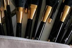 【美天棋牌】化妆教程 彩妆大人示范韩国少女甜美妆画法
