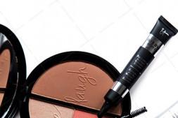 【美天棋牌】化妆教程 适合黄皮的口红推荐,绝不能错过干玫瑰色口红