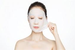 【美天棋牌】化妆前可以敷面膜吗 敷面膜最好的时间是什么时候