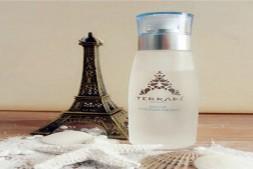 【美天棋牌】法国巴黎水的功效和作用 这个你应该知道