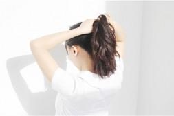 【美天棋牌】头发矫正和拉直是一样的吗 头发受损这几点教你修复