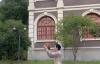 【美天棋牌】朱一龙录篮球视频为高考生加油 一击即中帅气满分