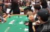 【美天棋牌】2019年世界扑克大赛主赛中脱裤子的扑克玩家被判缓刑