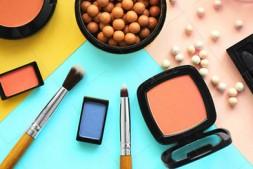 【美天棋牌】化妆教程 MM教你单眼皮怎么画眼妆?