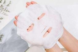 【美天棋牌】男士怎样使用面膜 敷面膜可以敷在眼睛周围吗