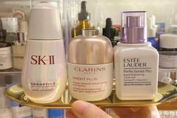 【美天棋牌】美白护肤品几岁用合适 不同年龄段的女性该如何美白