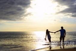 【美天棋牌】两个恋爱观不相同的人,可以谈恋爱吗?什么是谈恋爱?