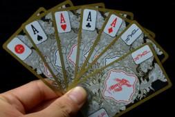 【美天棋牌】德州扑克翻后拿着J7s和87s这样的牌应该怎样打?