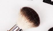 【美天棋牌】化妆教程 2021初中毕业去化妆那个化妆培训学校要靠谱能学到技术