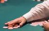 【美天棋牌】德州扑克牌手在现场慢玩的五个理由