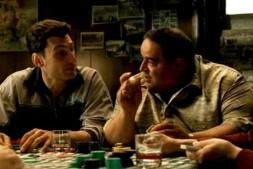 【美天棋牌】如何正确地讨论德州扑克底牌