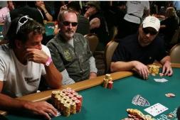 【美天棋牌】德州扑克做价值最大化调整的3个理由