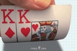 【美天棋牌】如何像职业牌手那样游戏口袋对KK?