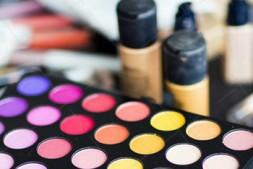 【美天棋牌】化妆教程 2021男生女生都可以学化妆吗?