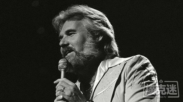 【美天棋牌】《赌徒》演唱者Kenny Rogers去世,享年81岁