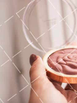 【美天棋牌】化妆教程 2020 CC霜的正确使用顺序 用CC霜化妆的正确步骤
