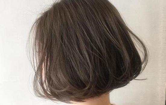 【美天棋牌】头发被剪短了怎么补救 这些方法帮你弥补