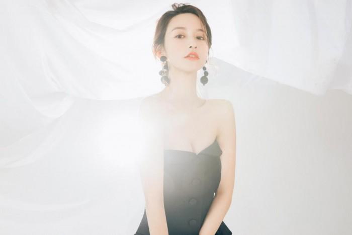 【美天棋牌】热议绯闻中女主角,网红张大奕到底是什么人?