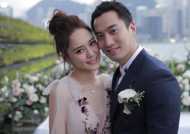 【美天棋牌】台媒爆阿娇离婚 女方主动提出离婚请求
