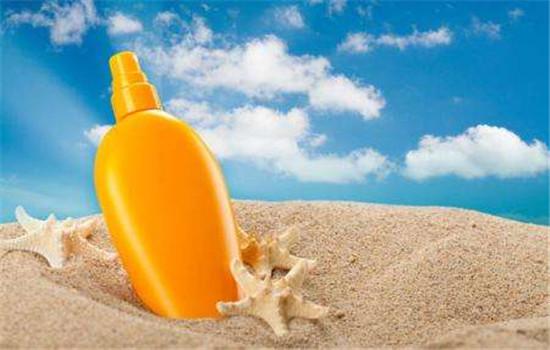 【美天棋牌】夏天为什么要用防晒 防晒霜怎样使用才正确