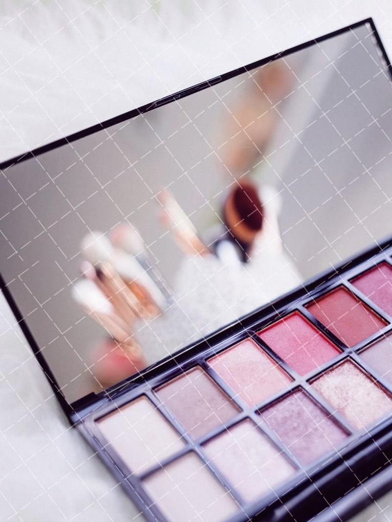 【美天棋牌】化妆教程 2020 气垫怎么用 这样做更持久透亮