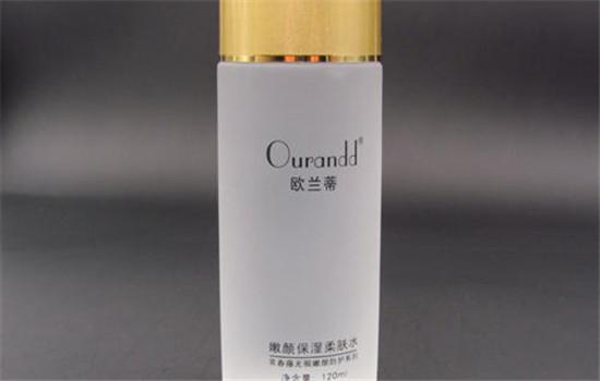 【美天棋牌】精华水和精华液一样吗 分别适合什么肤质
