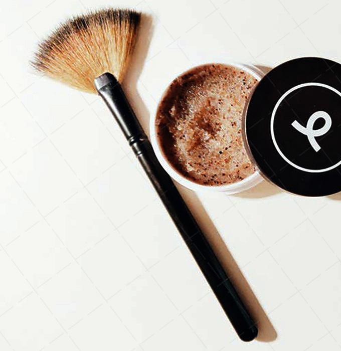 【美天棋牌】化妆教程 超立体妆容 高光笔怎么用?
