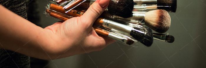 【美天棋牌】化妆教程 韩国博主晒半面妆对比照 化妆技术震惊网友