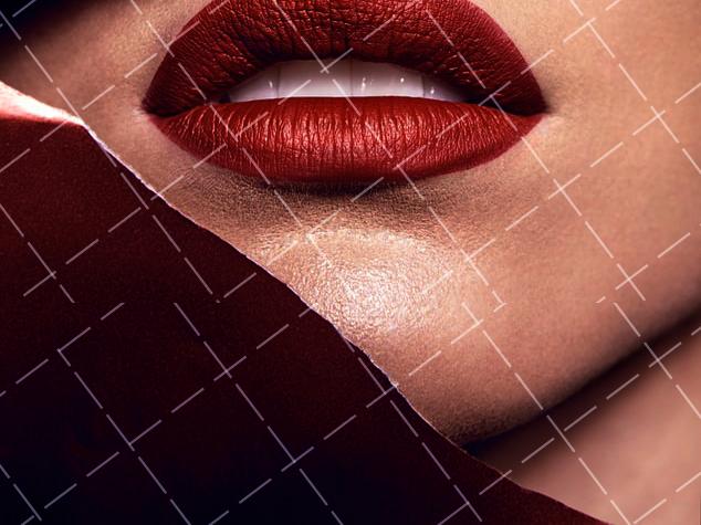 【美天棋牌】化妆教程 IU浆果色唇膏可爱又性感 你要不要来一支?