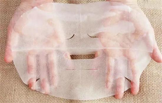 【美天棋牌】敷完面膜能直接化妆吗 精华能代替面膜吗