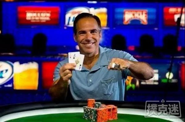 【美天棋牌】致命暗三!德州扑克决赛桌小Set怼上大Set,这痛谁懂!