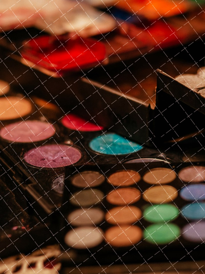 【美天棋牌】化妆教程 达人示范时尚彩妆步骤图