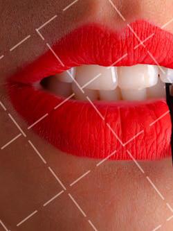 【美天棋牌】化妆教程 如何正确选择眼线笔颜色?