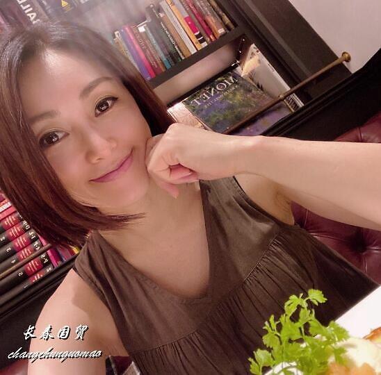 【美天棋牌】酒井法子近照曝光 49岁仍容颜不老风韵犹存