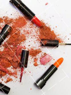 【美天棋牌】化妆教程 揭秘BB霜和CC霜三大区别