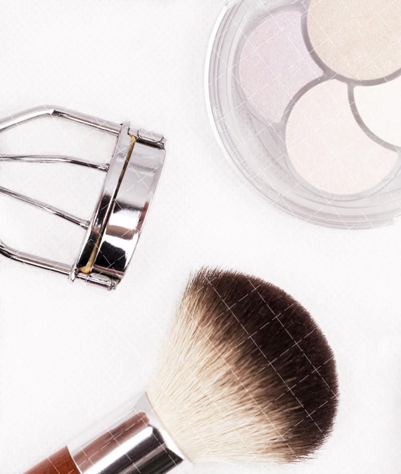 【美天棋牌】化妆教程 「基础」眉形和脸型的黄金搭配原则