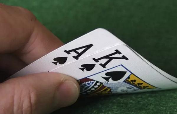 【美天棋牌】德州扑克再加注不用那么大