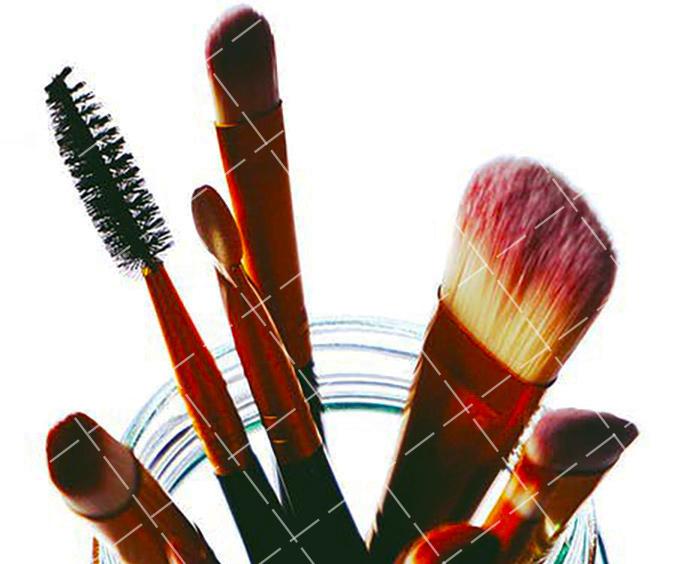【美天棋牌】化妆教程 2021给自己化妆有必要去学校学吗?