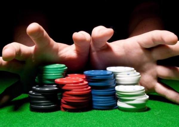 【美天棋牌】德州扑克论牌手的全压心态