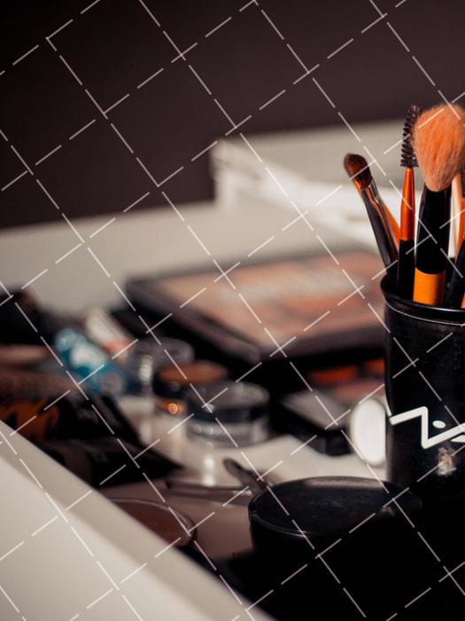 【美天棋牌】化妆教程 2021学完化妆技术可以去干什么-化妆师好不好找工作呢