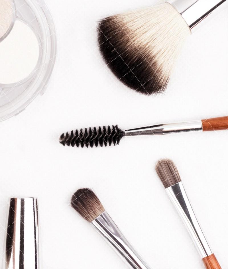 【美天棋牌】化妆教程 2021学化妆应该找什么样的化妆学校?