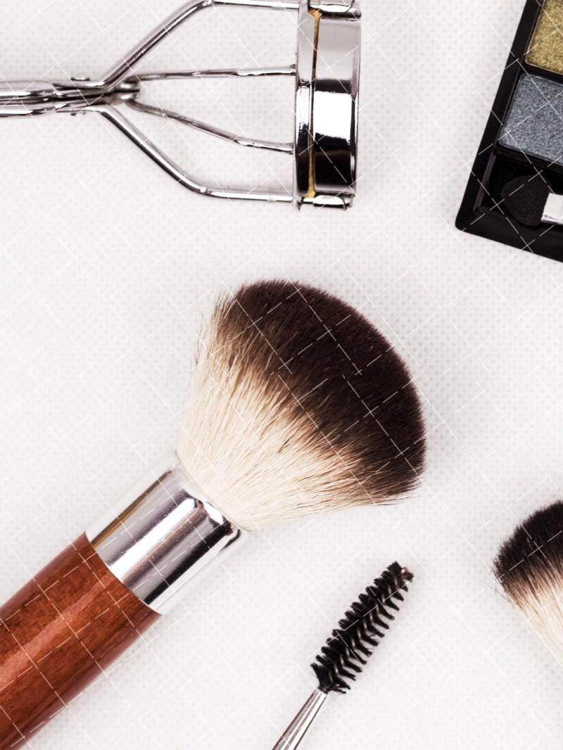 【美天棋牌】化妆教程 2021年男生学化妆发展前景怎么样