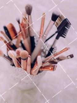 【美天棋牌】化妆教程 2021去化妆培训学校学习化妆零基础能跟得上吗?