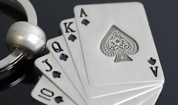 【美天棋牌】德州扑克转牌圈在有利位置将牌归入正确的范围