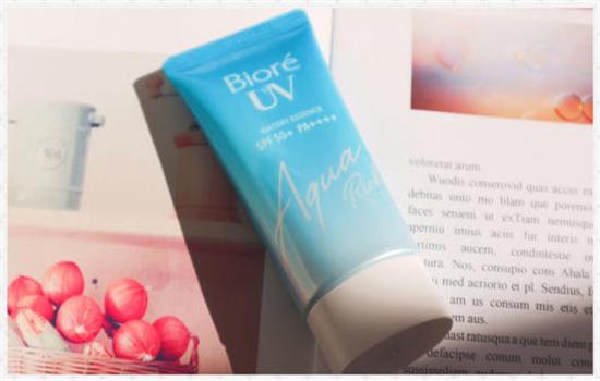 【美天棋牌】蓝瓶的碧柔防晒霜能用多久 碧柔水感防晒霜功效